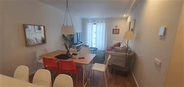 Fabuloso apartamento T2 com varanda, mobilado e equipado, no...