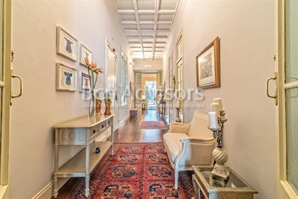 Appartement majestueux avec terrasse à Ciutat Vella. A deux pas des Ramblas et du Liceo, d