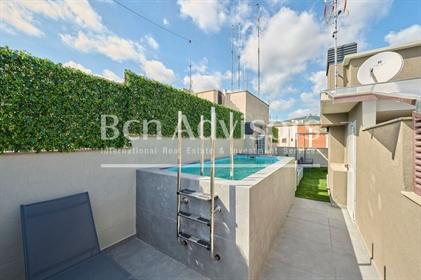 Fabuloso ático de obra nueva con terraza y piscina privadas en Zona Alta. Este sensacional