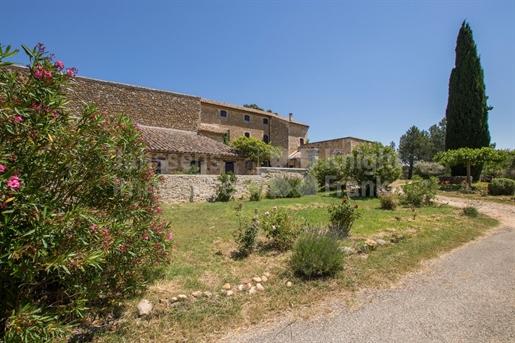 Stone property for sale in La Garde Adhémar