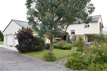 Charmante maison individuelle, 4 chambres à la limite du village et proche de la campagne