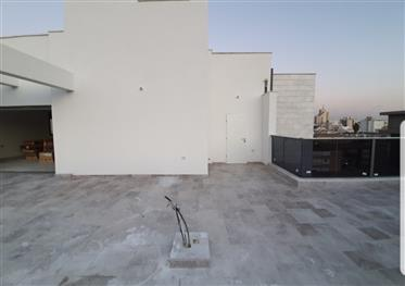 Rishonletsyon Superbe penthouse prime location