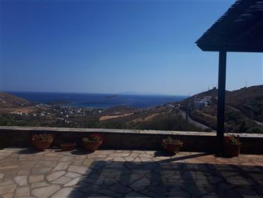 Συγκρότημα κατοικιών με θέα θάλασσα