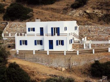 Υπέροχο σπίτι με 2 διαμερίσματα και θέα θάλασσα