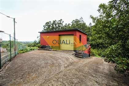 Mischgrundstück von 4690 m2, in Santo da Serra zu 280.000 €