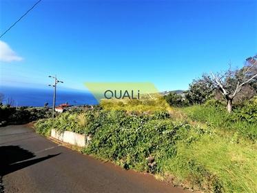 1270 m2 Land an der Straße in der Gemeinde Santa Cruz € 130.000,00