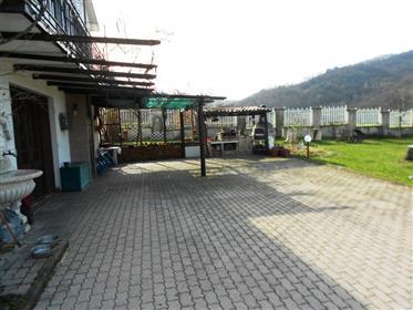 Vivenda: 200 m²