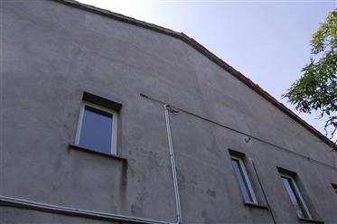 Vivenda: 250 m²
