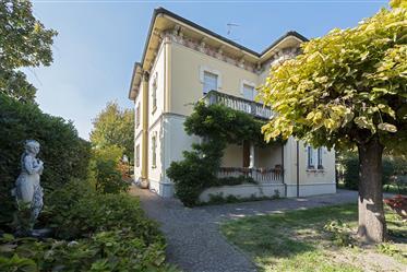 Luxury property: 600 m²