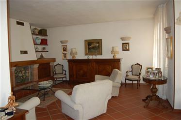 Villa In Stile Country Nella Campagna Pavese