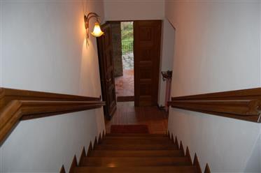 Vivenda: 300 m²