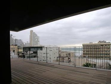 Mini penthouse de luxe à quelques pas de la plage