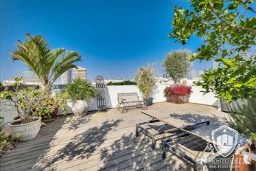 Magnifique Penthouse À Vendre Avec Énorme Terrasse Près De Rothschild