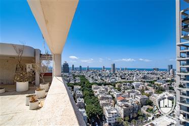 Immense penthouse a renovation a vendre