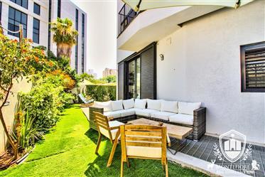 Nuevo apartamento a la venta Tel Aviv con jardín