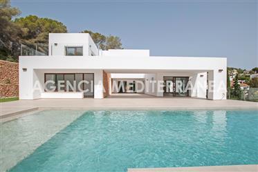 Newly built villa in El Portet Moraira