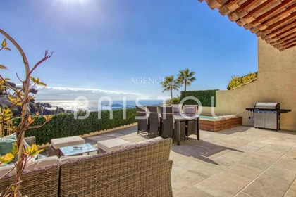 House for sale in Villefranche-sur-Mer with sea view