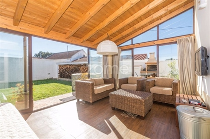 House in a plot of land of 795m, located in Boavista dos Pin...