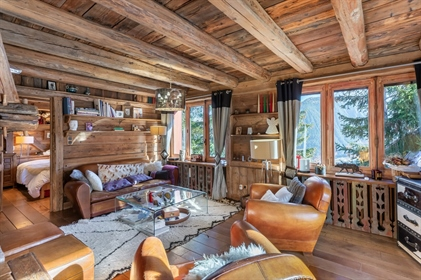 Extraordinary 4 bedroom apartment for sale in Courchevel 1850 close to slopes (A)