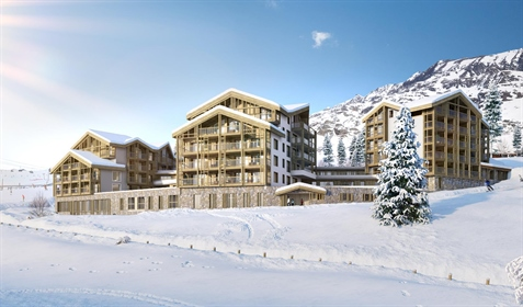 Ski in and out luxury 4 bedroom penthouse apartments just seconds from the Bergers ski lifts