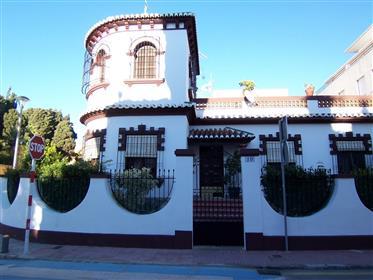 Buen estado, Alojamiento con estilo, propiedad con encanto, de carácter, cerca de la ciudad, cerca d