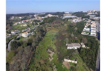 Terreno para construção de moradias em zona nobre