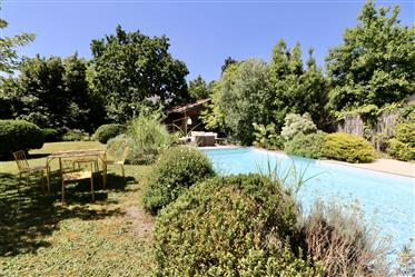 Caudéran, Très Belle Maison Avec Magnifique Jardin Et Dépend...