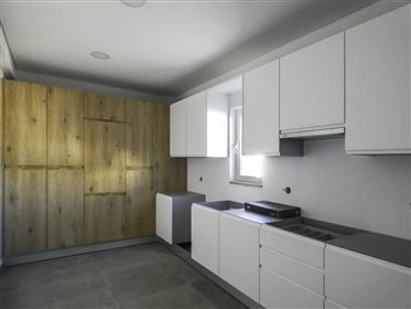 Moderna e confortável moradia V4 com garagem