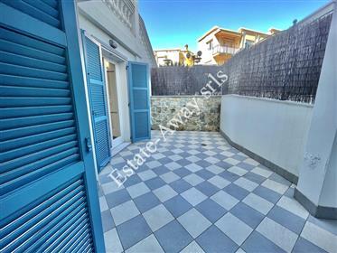 Appartamento con giardino in vendita a Bordighera  in via Vittorio Veneto.