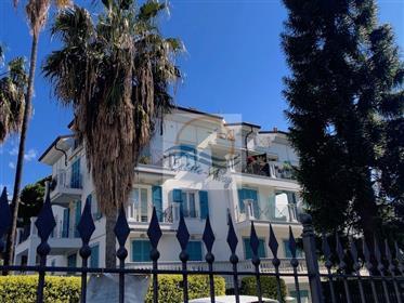 Appartamento in vendita a Bordighera.