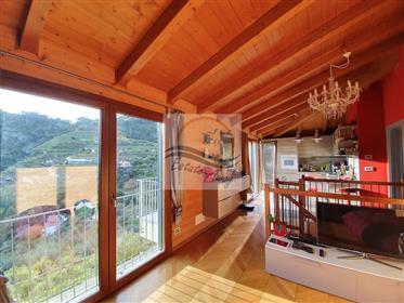 Casa indipendente con parziale vista mare in vendita a Soldano.
