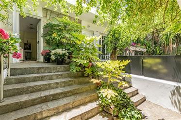 Maison indépendante, toit de tuiles, 2 niveaux 230m² sur un ...