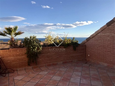 This great property provides privacy, security and comfortable living next to the sea, in
