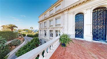 Belle apartement traversant avec  magnifiques vue Méditerranée