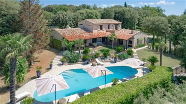 Magnifique propriété provençale dans un domaine privé a Grasse