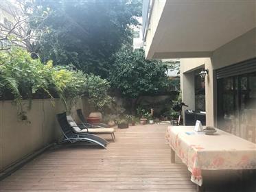 Comme une maison avec jardin à Tel aviv!!