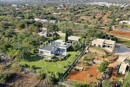 Plot of land for the construction of a 5 bedroom contemporary design villa with pool near Olhão