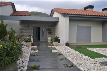Moradia De Luxo , próxima de Belmonte , Para Venda