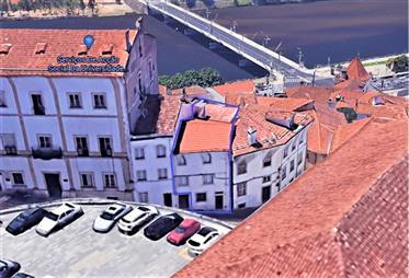 Prédio Residencial Junto À Universidade De Coimbra