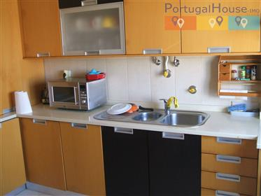 Apartment T3 (3 bedroom) in front of the beach of Peniche /...