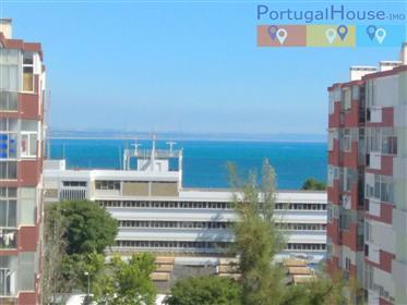 Fantástico apartamento T4 em Paço de Arcos, 170m2 de vista para o mar a 10 minutos a pé da praia de
