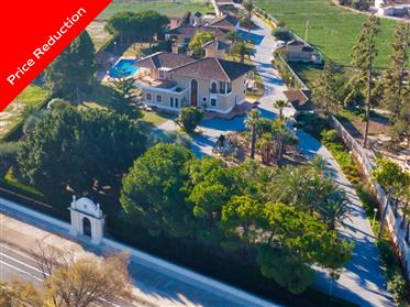 Prestigious Villa With Extraordinary Garden