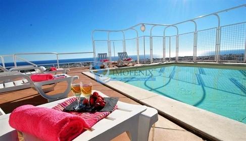 Penthouse T4 com piscina privada em Albufeira