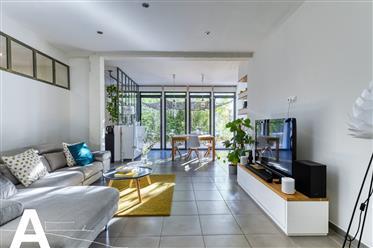 Квартира : 107 м²