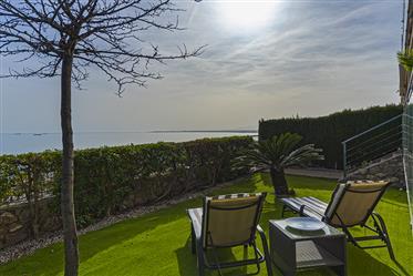 Los Sueños Se Cumplen: Espectacular Apartamento Con Jardín Y Vistas Al Mar A 5 Minutos De Benicassim