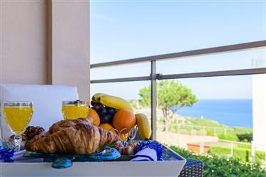 Apartamento De 4 Habitaciones Con Vistas Al Mar Dentro De Un Complejo Con Piscinas Y Zonas Comunes