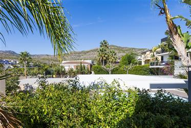 Opportunity. Impeccable Property 5 Minutes From Voramar In Torrebellver