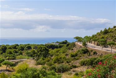 Casa con piscina individual y espectaculares vistas al mar en venta o alquiler con opción a compra