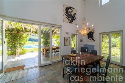 Magnificent Italian property with pool and open-plan living areas, built to exacting Swedish standar