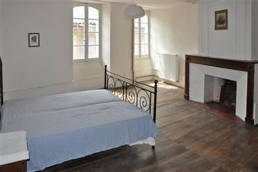 Elegantni C18th Maison de Maitre u srce na Seronais